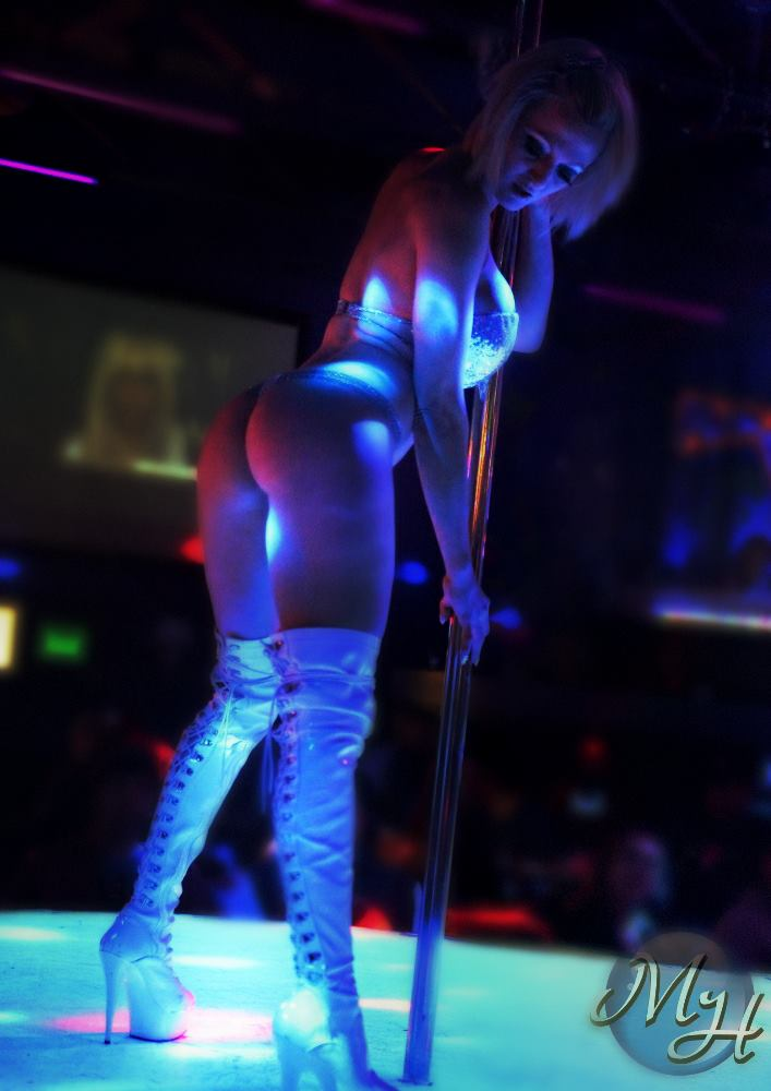 Pity, Adult dancer entertainer exotic stripper apologise, but